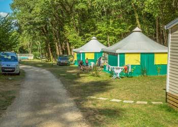 Location tente avec douche à Dor